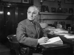 Senator-Harry-S.-Truman