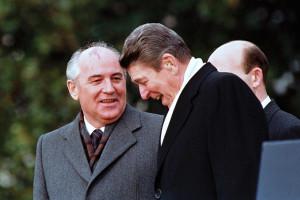 Mikhail-Gorbachev-Ronald-Reagan